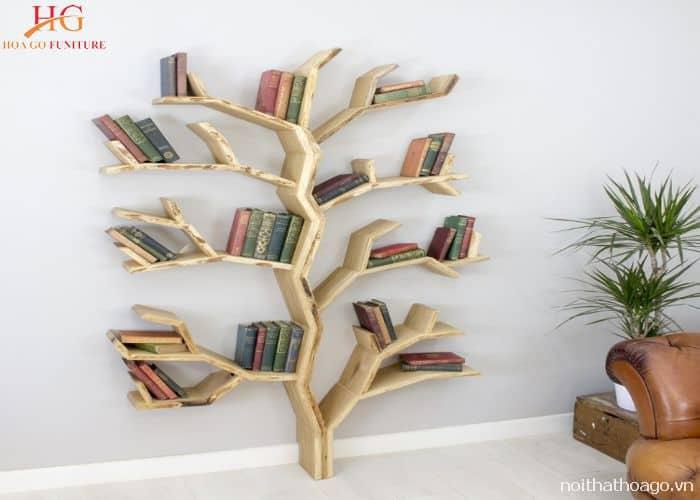Kệ sách có kiểu dáng thiết kế hình cây độc đáo và mới lạ, tạo điểm nhấn cho không gian