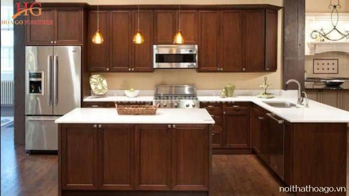 Mẫu tủ bếp làm từ gỗ Sồi Mỹ sang trọng