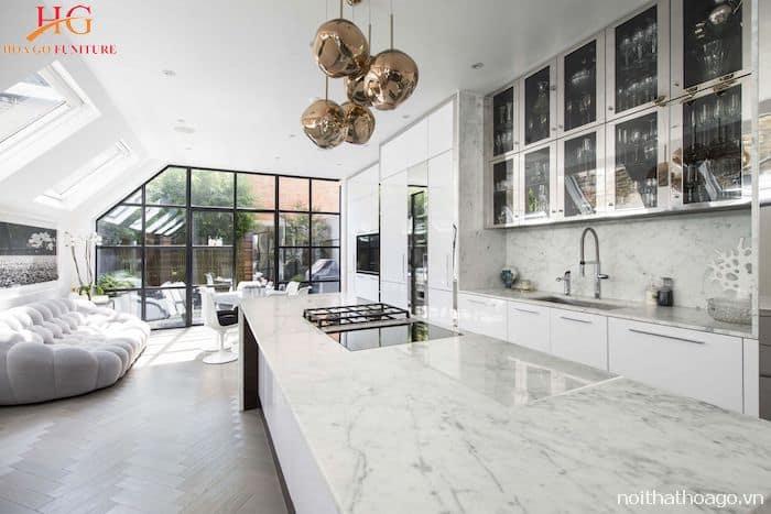 Tủ bếp kết hợp mặt đá đẹp bền bỉ theo thời gian