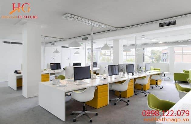 Màu sáng sẽ giúp không gian thoáng đãng hơn. Xu hướng nội thất văn phòng