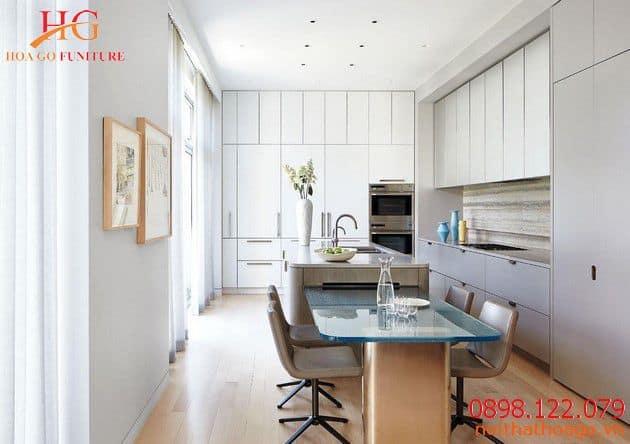 Phòng bếp sử dụng nội thất tông màu nhẹ nhàng. Sản phẩm nội thất gia đình