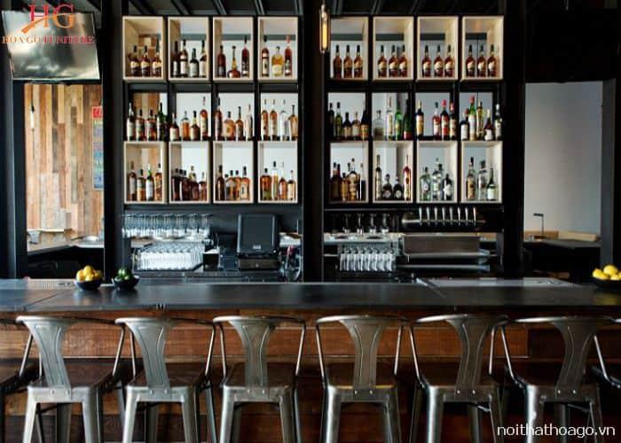Mẫu kệ kết hợp với tủ rượu cho quầy bar