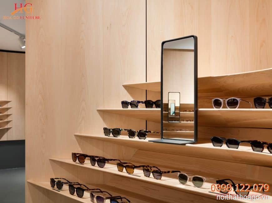 Kệ trưng bày mỹ phẩm bằng gỗ sẽ giúp tiết kiệm chi phí và tạo nét riêng trong không gian cửa hàng
