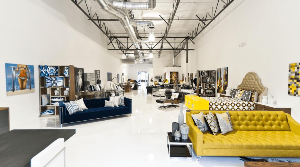 Phong cách tối giản hóa được ưa chuộng trong thiết kế showroom giá rẻ đẹp hiện nay