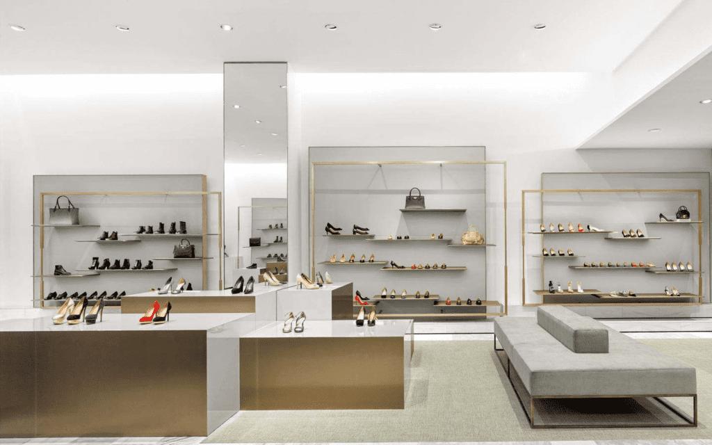 Thiết kế showroom kiểu kẻ ô khá phổ biến, có thể bắt gặp ở bất kỳ mặt hàng nào