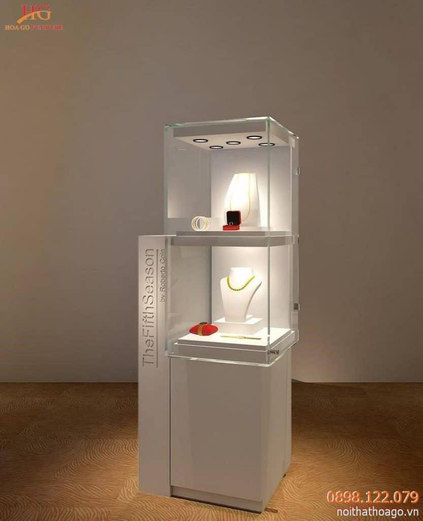 Tủ kính cường lực dạng đứng, kết hợp đèn chiếu và hộc tủ bằng gỗ