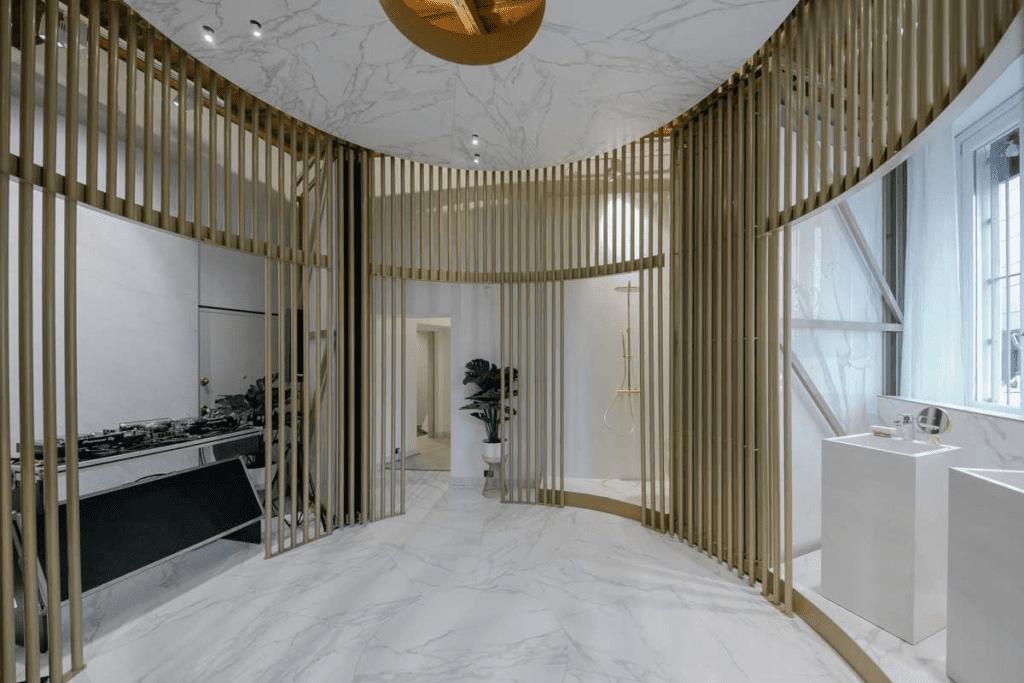 Với nội thất showroom bán hàng kiểu boutique, bạn phải biết cách dung hòa các thiết kế trong một không gian