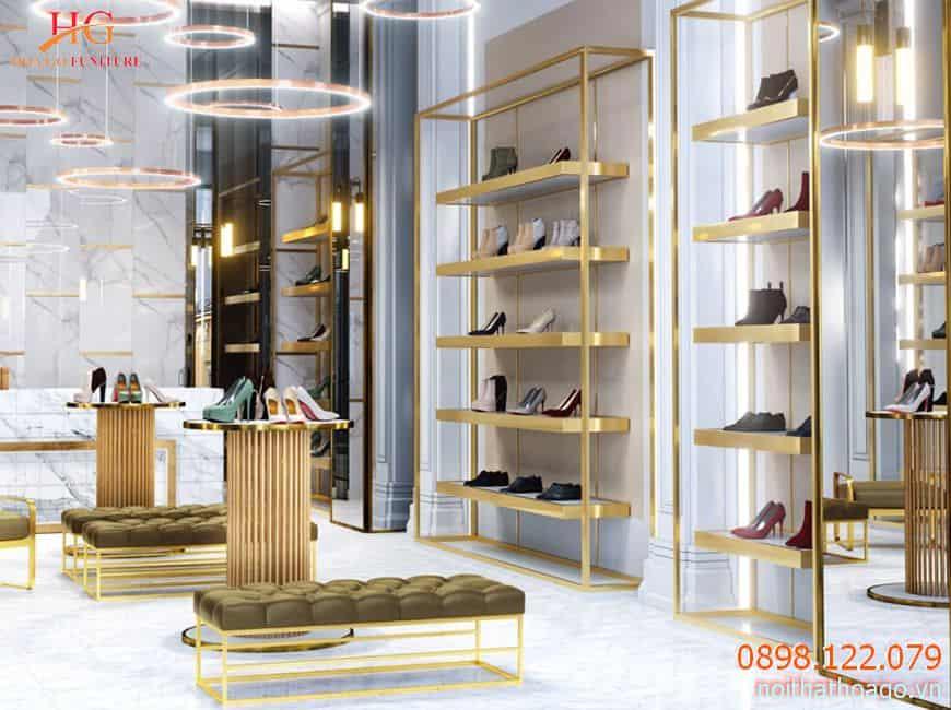 showroom co khong gian trung bay bat mat thu hut khach hon 1024x661 1 - Thiết kế thi công nội thất showroom với sự tư vấn từ A-Z của Hoa Gỗ