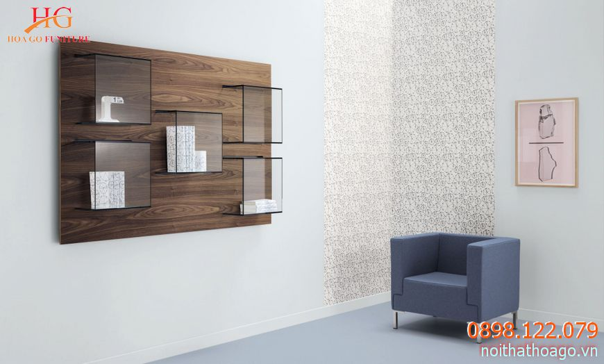 Tủ trưng bày bằng gỗ phủ Melamine với cửa kính trong suốt khá phù hợp với các cửa hàng sang trọng