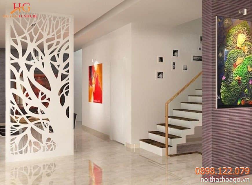 Vách ngăn mica cũng được sử dụng để ngăn cách phòng khách với các khu vực khác trong nhà