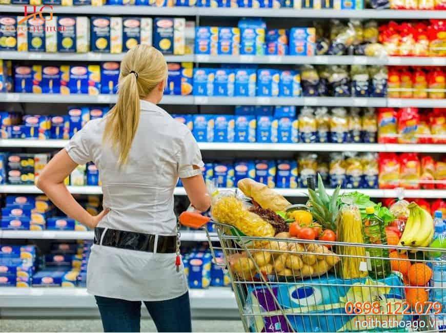 Trưng bày hàng hóa đa dạng là tốt nhưng nếu có quá nhiều sản phẩm, khách hàng sẽ khó khăn để lựa chọn