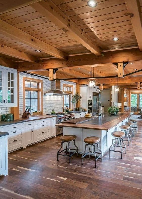 thiết kế bếp với đảo bếp lớn