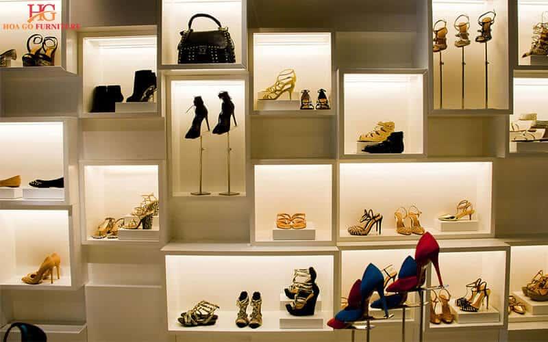 Hướng dẫn tổng quan thiết kế nội thất showroom 8